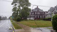 Henri toca tierra en Rhode Island y deja a miles de hogares sin suministro eléctrico