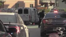 El oficial acusado de la muerte a tiros de Mike Ramos y otro policía de Austin son acusados de asesinato