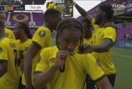 ¡De aire! Golazo de Bobbey Reid para el 2-0 sobre Surinam