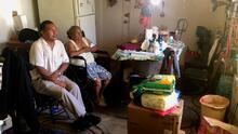 Hace dos meses este hispano podía pagar su renta; ahora se quedó ciego y teme perder su hogar