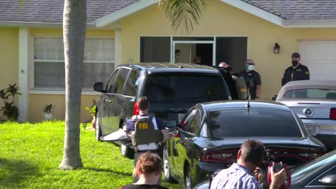 FBI ejecuta una orden de registro en la casa de los padres del novio de Gabby Petito