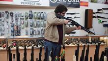 Juez da luz verde para que fabricantes de armas enfrenten demanda del gobierno de México como un solo bloque
