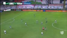 ¡Expulsión! El árbitro saca la roja directa a Rafael Baca.