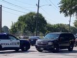 Sospechoso de asesinato de familia de 4 miembros se dispara cuando iba a ser detenido, según la policía