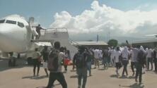 El Departamento de Seguridad Nacional investiga cómo llegaron miles de haitianos a Texas