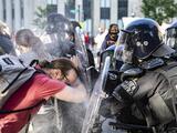 """Profundamente perturbador"": denuncian que fuerzas federales valoraron usar rayos de calor contra protesta en Washington DC"