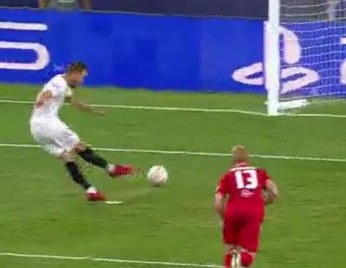 ¡Una locura de primer tiempo! Los cuatro penaltis del Sevilla vs. Salzburg
