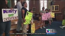 Líderes religiosos y activistas participan en vigilia por DACA