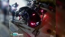 Video muestra cómo le roban el vehículo a un hombre mientras sus agresores lo rodean con varias motocicletas