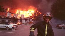 """Se cumplen 30 años de la """"tormenta de fuego"""" que arrasó partes de Oakland y Berkeley"""