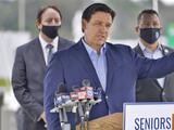 DeSantis acusa a CBS de manipulación ante denuncias de que privilegió a ricos y aliados con las vacunas