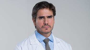 Daniel Arenas es Robert Cooper