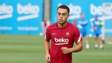 Barcelona informa que Sergiño Dest sufre un esguince en el tobillo