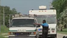 Sospechoso dispara desde un edificio contra una trabajadora del correo postal en Florida City
