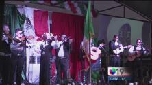 Modesto celebró con mariachis la independencia de México
