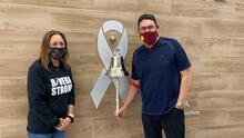 Finaliza Ron Rivera su tratamiento contra el cáncer