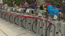 Inauguran cuatro estaciones de bicicletas cercanas a la sede Downtown de la Universidad de Houston