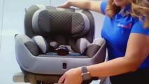 Paso a paso: Una experta te muestra cómo instalar de manera correcta la silla de tu hijo en el auto