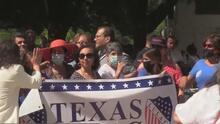 Líderes religiosos protestan a favor del derecho al voto frente al capitolio de Texas