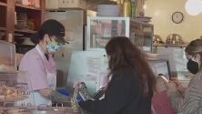 Los Ángeles evalúa exigir constancias de vacunación para ingresar a los establecimientos y restaurantes