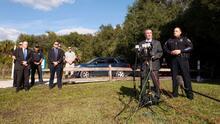 En un minuto: Familia de Brian Laundrie espera resultados tras hallazgo de restos humanos en Florida