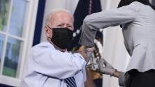 Biden recibe dosis de refuerzo de la vacuna Pfizer