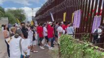 Familias inmigrantes piden que se restaure el proceso de asilo en Nogales