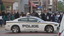 Intensifican protestas para exigir los videos del operativo donde muere Andrew Brown Jr.