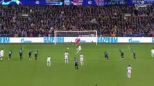 ¡No perdona! Mahrez aprovecha el penalti que le cometen y pone el 0-2