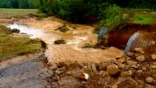 Aguaceros dejan inundaciones y deslizamientos de tierra al oeste de Carolina del Norte