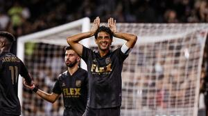 Carlos Vela anota su quinto gol de la temporada con LAFC