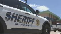 Buscan a un hombre que se hizo pasar por policía para acechar y amenazar a una mujer en el condado de Waller