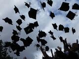 Estudiante de 17 años es aceptada en 20 universidades y le ofrecen más de un millón de dólares en becas
