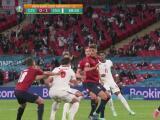 ¡Harry Maguire cae dentro del área checa e Inglaterra pedía penalti!