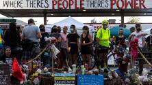 Más del doble de los estimados: unos 2,600 hispanos han muerto en custodia policial, según informe