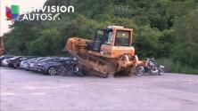 En Video: Filipinas destruye 6 millones de dólares en carros en solo minutos