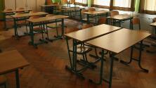 Casos de coronavirus y escasez de maestros han obligado al cierre de algunas escuelas en Texas