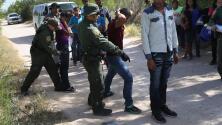 Separación forzada de familias migrantes en la frontera cumple con criterios de tortura, según informe