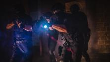 Aprende cómo reaccionar ante un operativo policial activo en tu vecindario