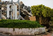 Angustia y zozobra entre los vecinos del edificio colapsado en Surfside