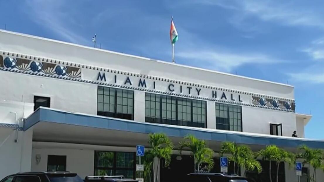 Aprueban en Miami un millonario contrato que aumenta salarios y pensiones de empleados sindicalizados