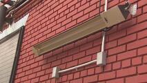 Autoridades en Nueva York ofrecen ayuda para que restaurantes al aire libre cambien calentadores de gas propano