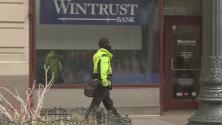 Organización empresarial de Chicago contrata guardias de seguridad armados para vigilar la calle State