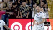 ¡De primera clase! Damir Kreilach hace una joya de gol desde fuera del área