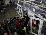 Reportan presuntos abusos y negligencias en albergue provisional de menores inmigrantes en Texas
