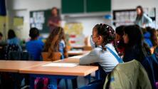 """""""Ahora me da miedo"""": escuela pública tuvo que cerrar sus puertas tras casos de coronavirus en sus estudiantes"""
