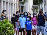 ¿Por qué debo usar mascarilla si ya me vacuné?: esto es lo que explica una experta en Miami