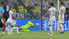 ¡Ya probaron a Neuer! Riflazo de Mbappé que termina rechazado