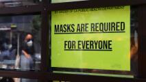"""""""Solo se la pueden quitar para comer"""": lo que debes saber del uso obligatorio de la mascarilla en Pasadena"""