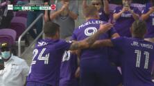¡Gol tempranero! Nani aprovecha un penal para el 1-0 de Orlando City